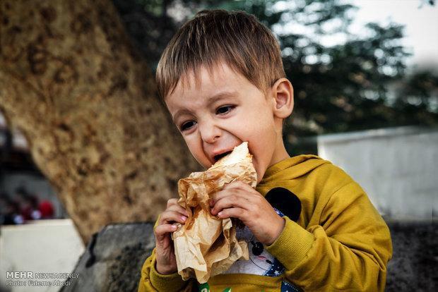 بچه هایی که نباید نان گندم و جو بخورند